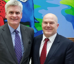 ACEP President Dr. Paul Kivela (left) with Sen. Bill Cassidy.